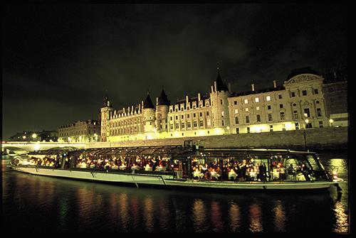paris  with bateaux parisien 12.jpg