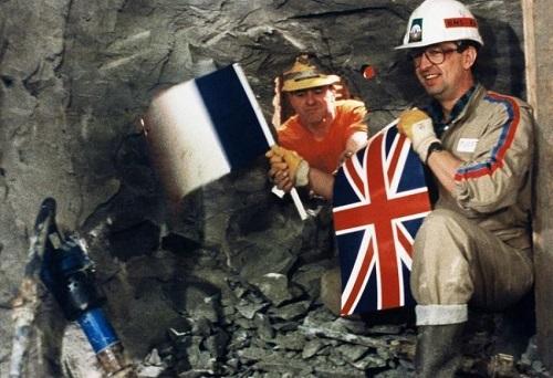 1560625-deux-ouvriers.jpg
