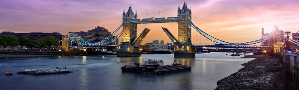tower-bridge-homepage-image - 복사본.jpg