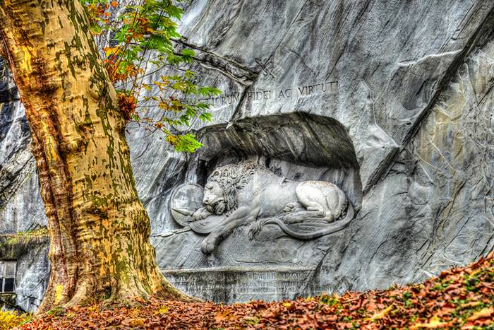 Lino_Monument_Lucerne_Switzerland_001.jpg