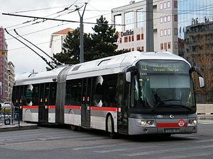 300px-Irisbus_Cristalis_ETB18_C1_Lyon_TCL_PDVM_Ibou.jpg