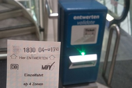 how_to_buy_train_ticket_at_munich_airport.jpg