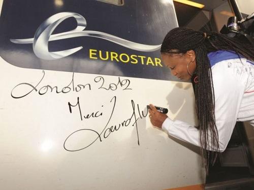 img_presse_eurostar_athlete_laura_flessel_france_jo_londres_st_pancras_2012_11-12-2014.jpg