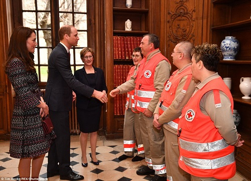 3E64FFB400000578-4326466-The_Duke_and_Duchess_also_met_emergency_crews_who_attended_the_N-a-85_1489839842224.jpg