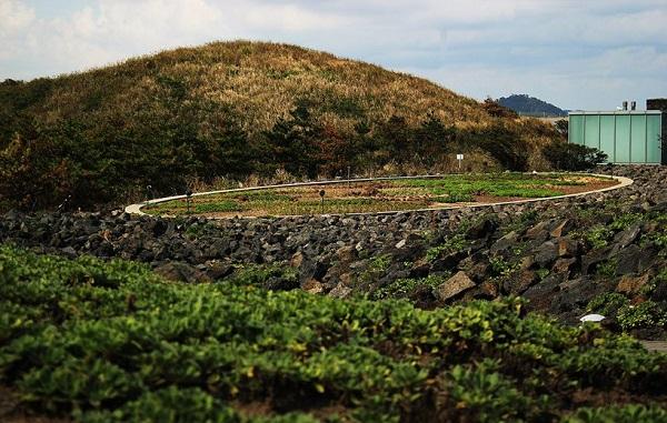 tadao-ando-genius-loci-phoenix-island-designboom01.jpg