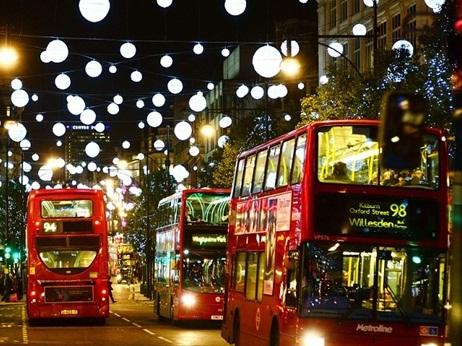 20373_Christmas-lights---streets-with-buses - 복사본.jpg