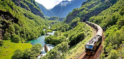 flamsbanen-travel-by-train-norway-2-1_ba49c92c-1ceb-4e0c-a7d7-5ddd7f2d7c26 - 복사본.jpg