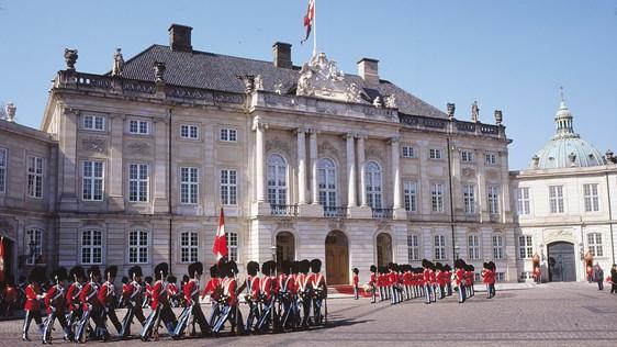 Amalienborg Palace 01.jpg