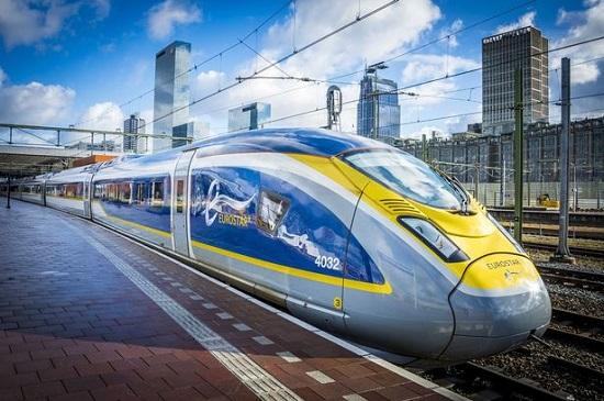 Eurostar-train-arrives-at-Rotterdam-Central-Station-Netherlands-01-Feb-2018.jpg